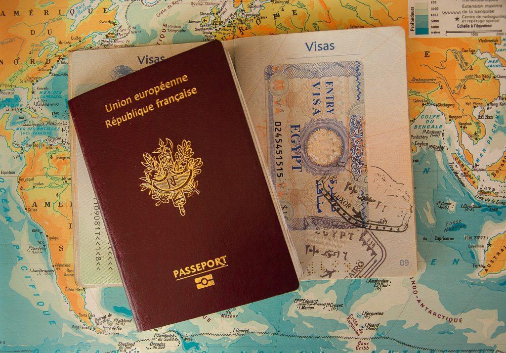 passaporto su carta