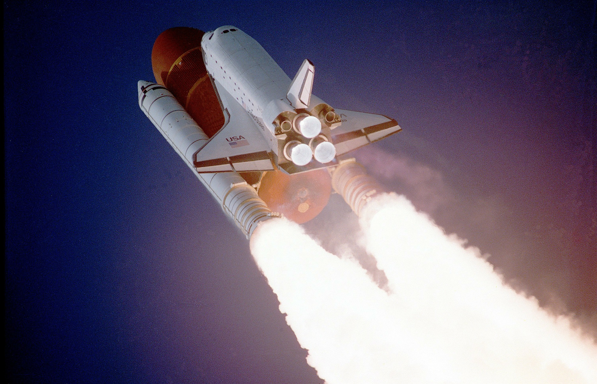 immagine shuttle in volo